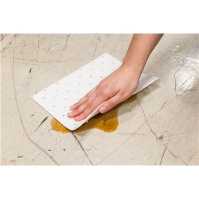 "Brady SRPO200 - Spill Response Plus Oil-Only Heavy Weight Absorbent Pad - 7.5"" x 10"" - 200/Case"